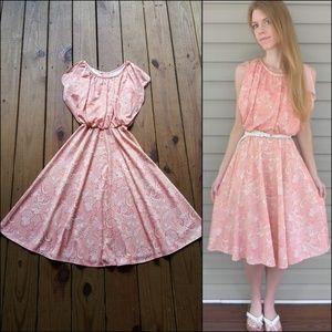 Vintage 70's S coral peach paisley midi dress